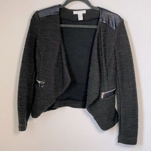 H&M olive green blazer w. faux leather shoulders